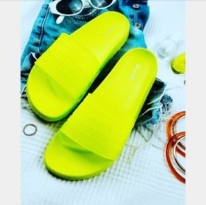 Make it Neon collection// neon yellow slide